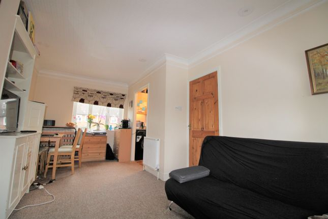 1 bed flat to rent in Ritz Court, Potters Bar EN6