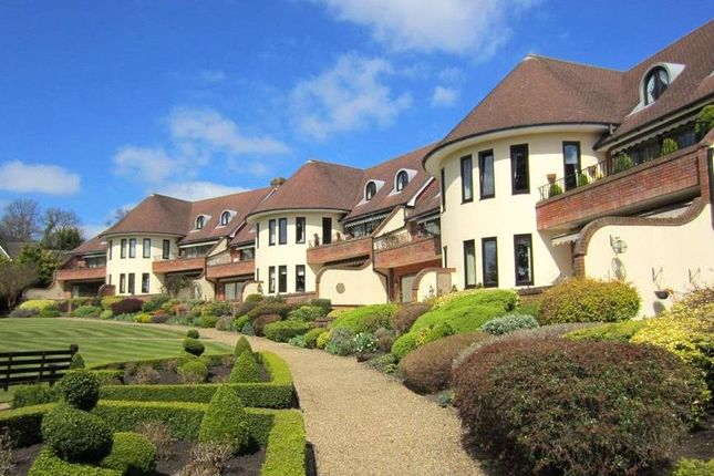 Thumbnail Flat for sale in Waterglades, Knotty Green, Beaconsfield