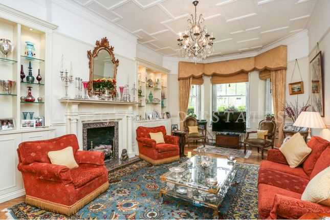 3 bed flat for sale in Oakwood Court, Abbotsbury Road, Kensington, London