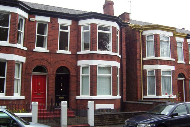 Thumbnail Flat to rent in 32 Kennerley Road, Stockport, Cheshire
