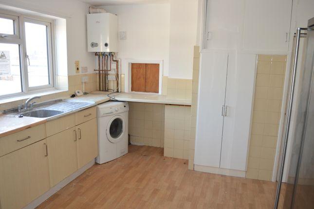 Thumbnail Flat to rent in Hammer Lane, Hemel Hempstead Industrial Estate, Hemel Hempstead