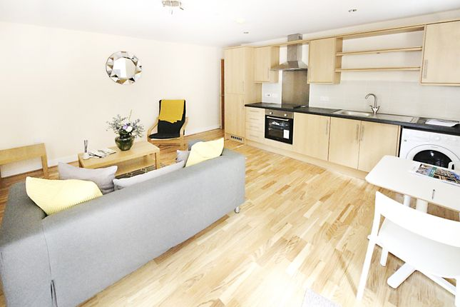 Thumbnail 2 bed flat to rent in Churchill Villas, Churchill Way, Cardiff
