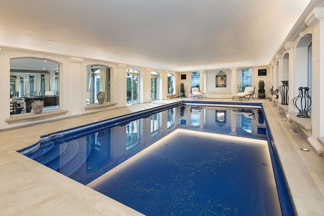 Swimming Pool of Courtenay Avenue, London N6