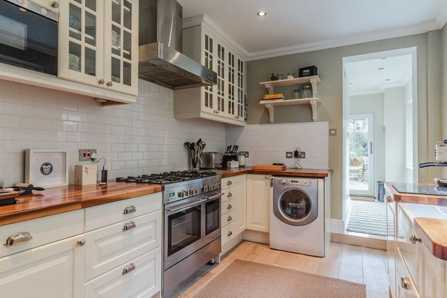 1 bed flat for sale in Gould Road, Twickenham