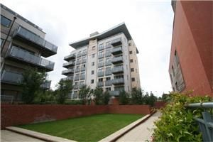 Thumbnail Flat to rent in Agate Close, London