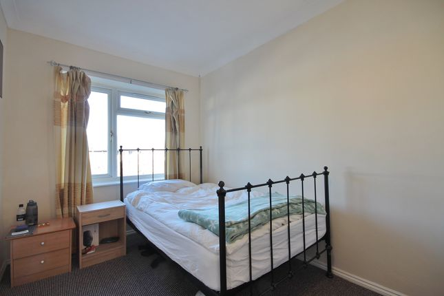 Thumbnail Semi-detached house to rent in Lytton Road, Florence Park, Oxford