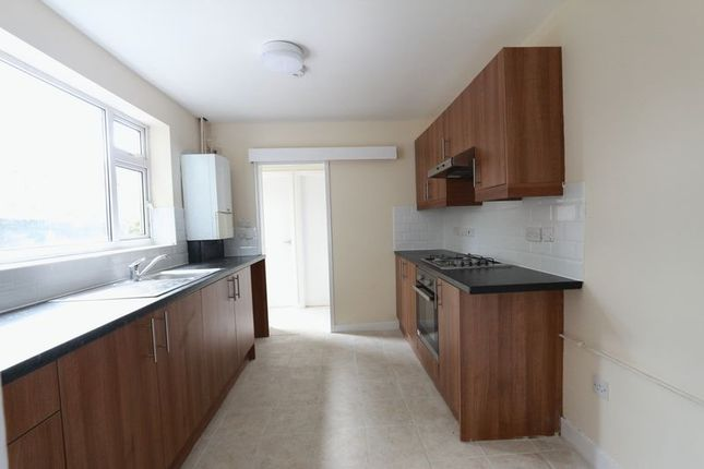 Thumbnail Terraced house to rent in Hawthorn Road, London