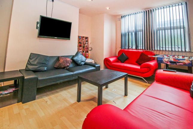 Thumbnail Terraced house to rent in Chestnut Avenue, Hyde Park, Leeds