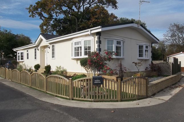 Thumbnail Mobile/park home for sale in Sugworth Lane, Radley, Abingdon