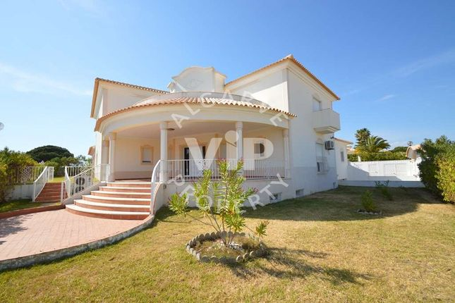 6 bed villa for sale in Olhos D'agua, Albufeira, Algarve