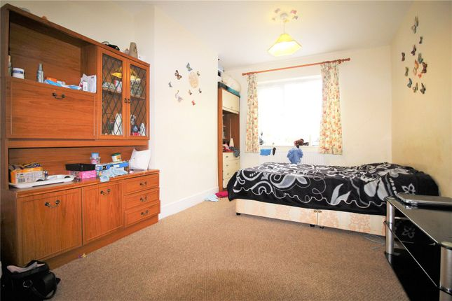Thumbnail Terraced house to rent in Rutherglen Road, London