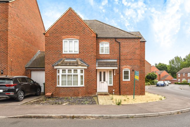 Thumbnail Detached house for sale in Kirby Drive, Bramley, Tadley, Hampshire