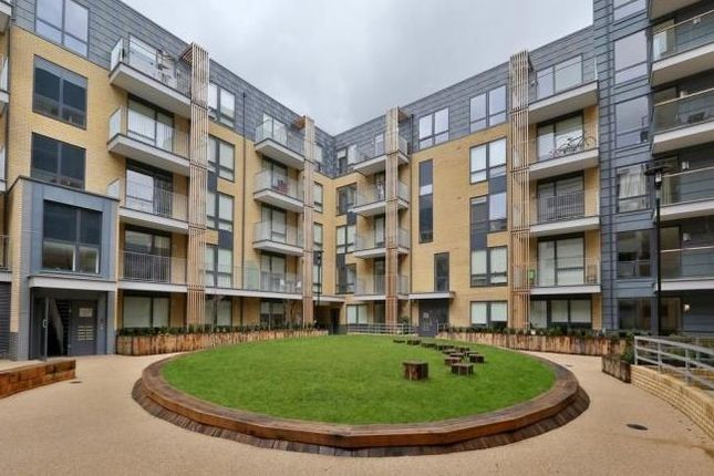 Thumbnail Flat for sale in Hertford Road, London