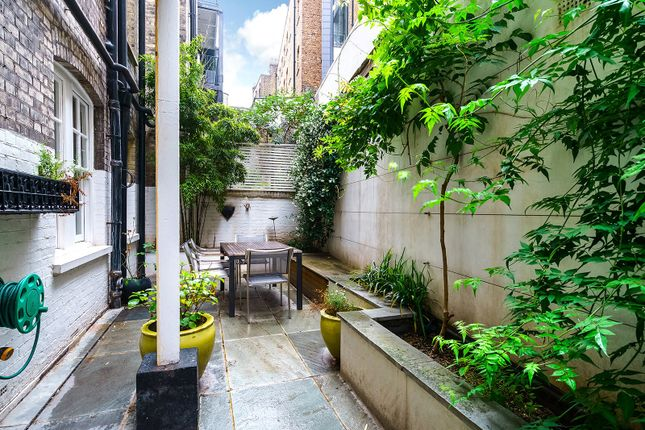 Picture No. 12 of Broad Court, Covent Garden WC2B