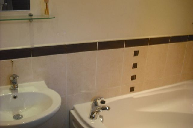Thumbnail Flat to rent in High Street, Sileby