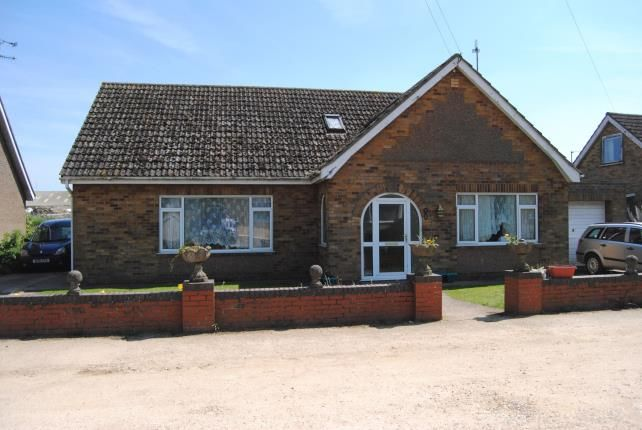 Thumbnail Bungalow for sale in Estuary Road, King's Lynn, Norfolk