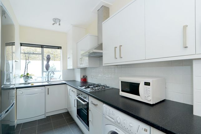 2 bed flat to rent in Bute Street, South Kensington, London