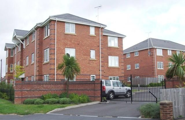 Thumbnail Flat to rent in Marlowe Court, Shakespeare Gardens, Rugby