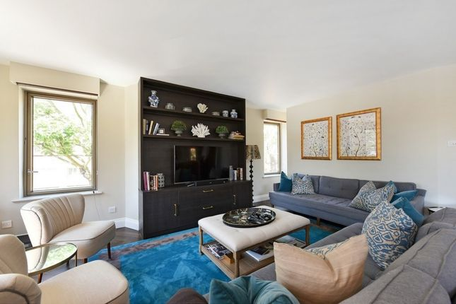 Thumbnail Flat to rent in Holbein Place, Belgravia