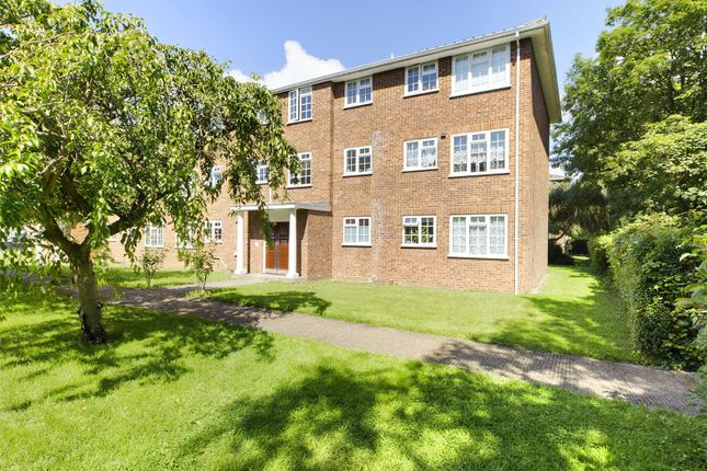 Thumbnail Flat for sale in Kingfisher Drive, Staines-Upon-Thames, Surrey