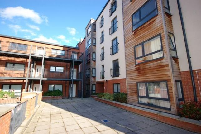 Thumbnail Flat to rent in Salamander Court, Edinburgh