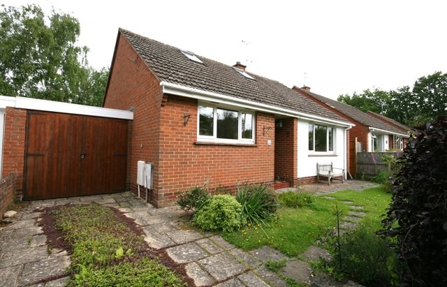 Thumbnail Detached bungalow to rent in Chapel Place, Fore Street, Topsham, Exeter