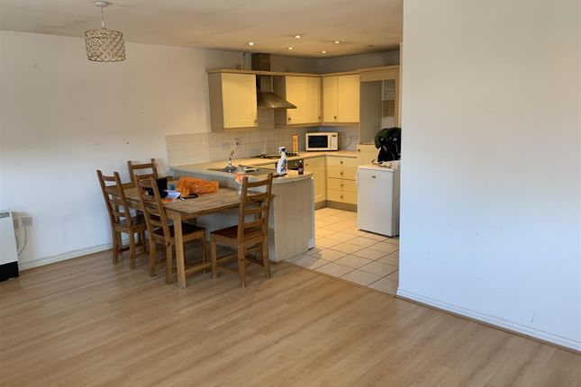 Thumbnail Flat to rent in Crunden Road, South Croydon