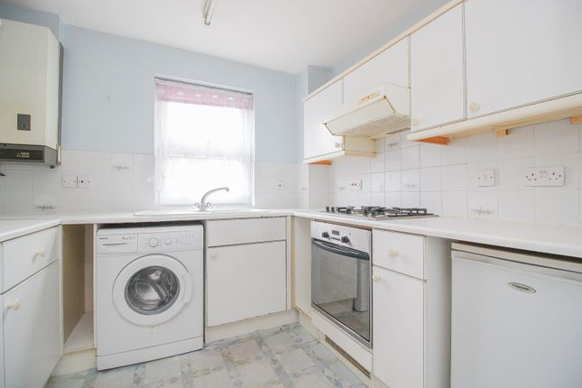 Kitchen of Ashburnham Road, Bedford MK40
