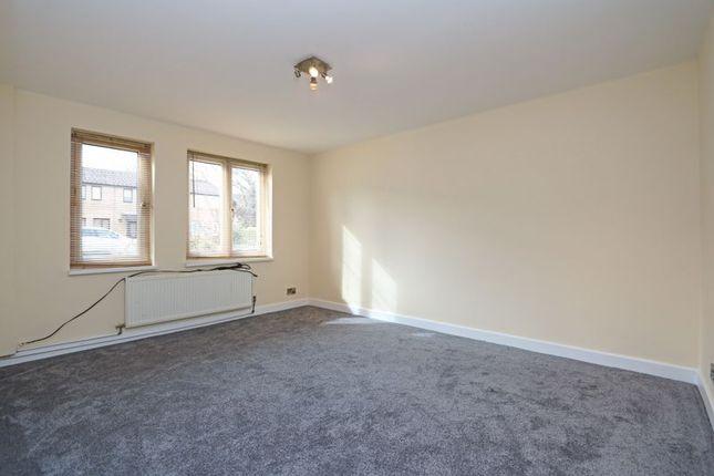 Living Room of Loriner Place, Downs Barn, Milton Keynes MK14