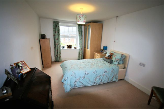 Bedroom Two of High Street, Ongar CM5