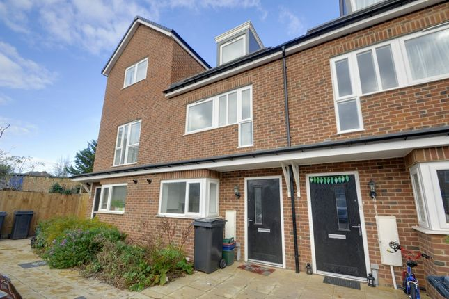 Thumbnail Terraced house to rent in Hunting Place, Hounslow