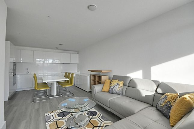 Thumbnail Flat to rent in Frazer Nash Close, Isleworth