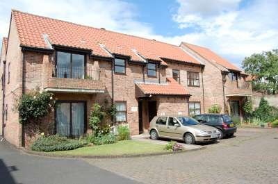 Thumbnail Flat to rent in The Orchard, Yarm