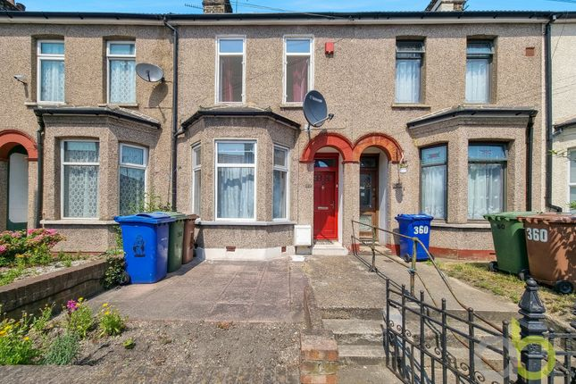 2 bed terraced house for sale in London Road, Grays RM20