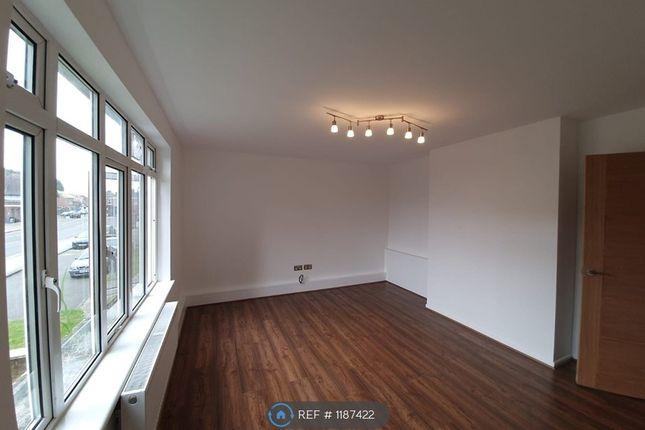 Thumbnail Flat to rent in Lancaster Road, Enfield