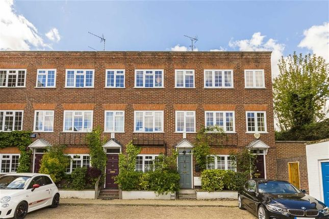 Thumbnail Property to rent in Vandyke Close, London