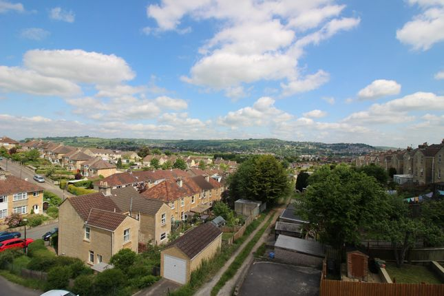 Thumbnail Flat to rent in Coronation Avenue, Bath