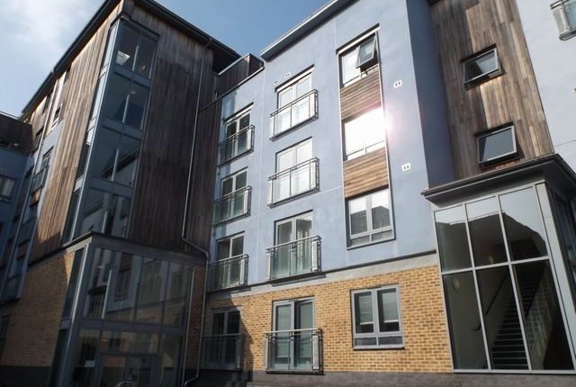 Thumbnail Flat to rent in Quayside Drive, Colchester, Essex