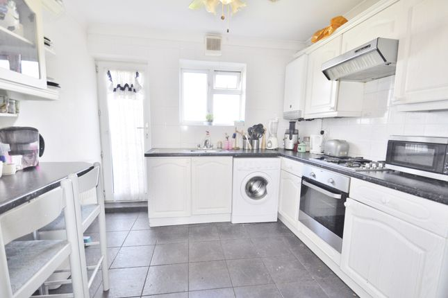 Thumbnail Flat for sale in Edensor Gardens, Chiswick