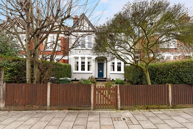 Thumbnail Flat for sale in Valley Road, London