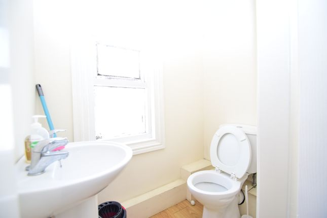 Thumbnail Terraced house to rent in Newlands Road, Newcastle Upon Tyne, Tyne And Wear