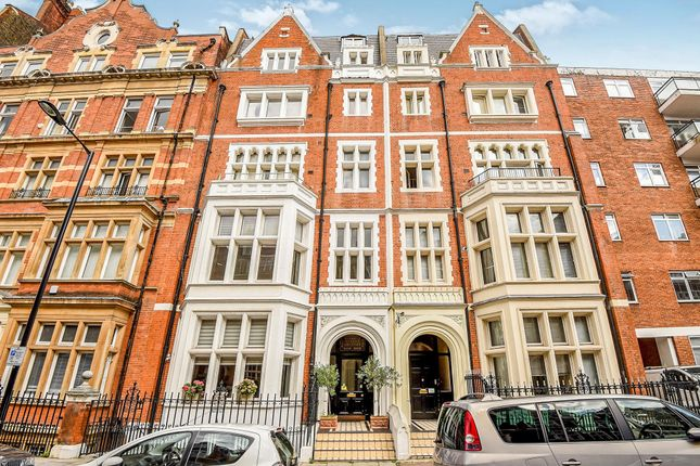 3 bed flat for sale in Palace Court, London