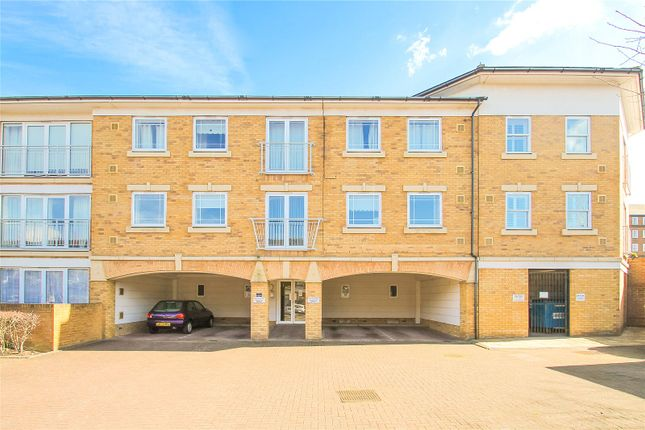 Thumbnail Flat for sale in Commissioners Court, Chatham, Kent