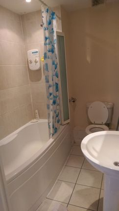 1 bed flat to rent in High Road, Ilford