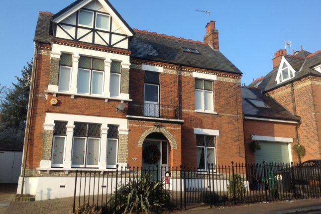 Detached house to rent in Hadley Road, Barnet