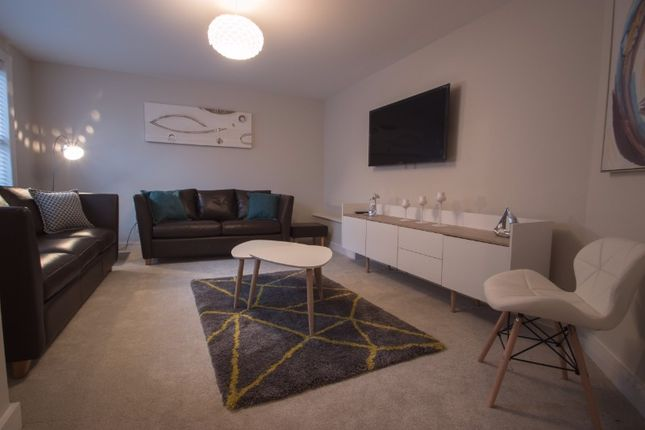 Thumbnail Flat to rent in Bridge Street Row East, Chester, Cheshire