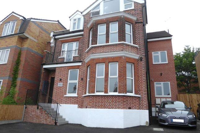 Thumbnail Flat to rent in Park Road, New Barnet, Barnet
