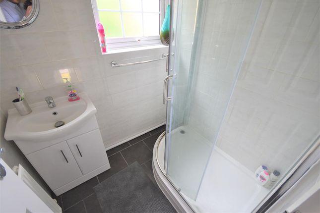 Bathroom of Bodmin Road, Luton LU4