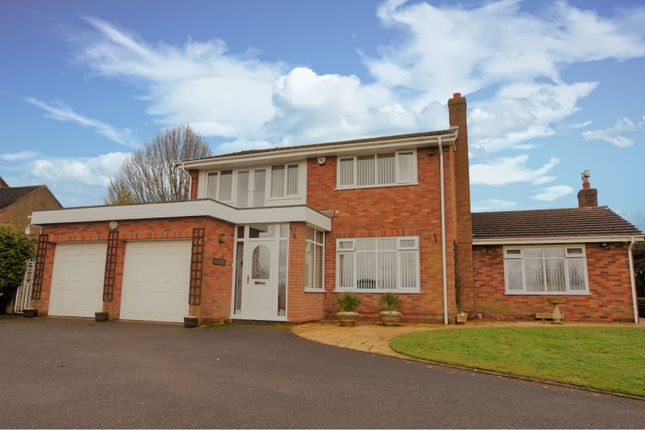 Thumbnail Detached house for sale in Lodgewood Lane, Telford