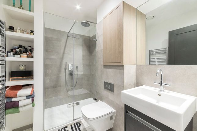 Bathroom of The Maple Building, Kentish Town, London NW5